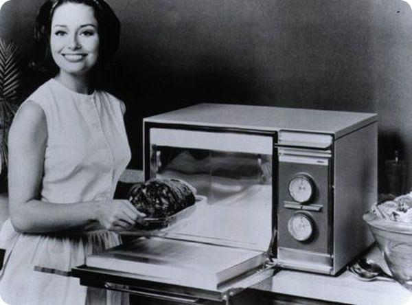 Микроволновки знали еще советские граждане. Фото iksu.pl.ua