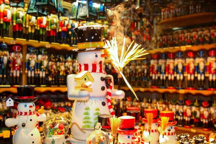 Austria Salzburg Christmas Nutcrackers via ChristkindlmarktCoAt