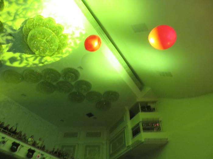 Полетели шарики в зал... Фото Аля Покровская