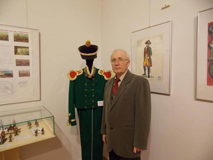 Реконструкция военно-исторического костюма - одна из сфер деятельности Игоря Горбунова