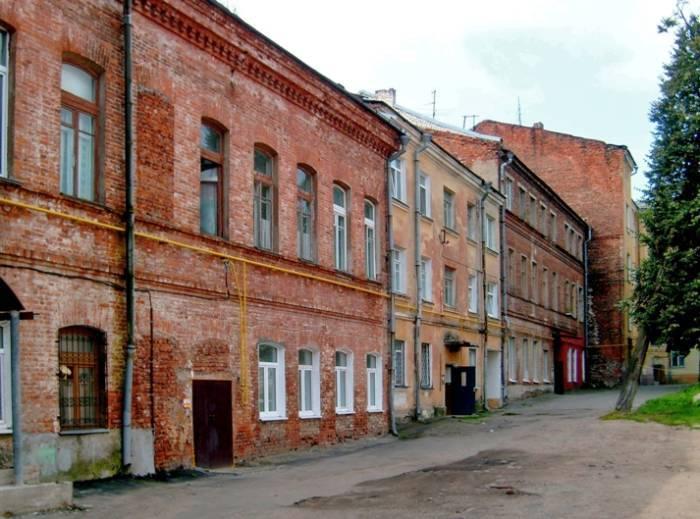 Улица Советская, вид со двора, август 2009