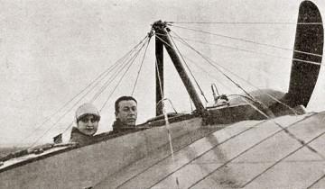 Авиатор А.Васильев в самолете. Источник:encyclopedia.mil.ru