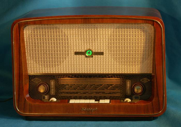 Ламповый радиоприемник