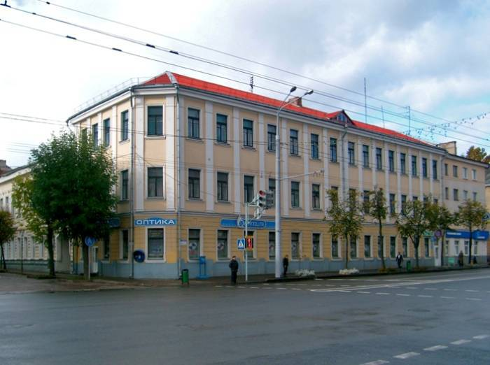 Здание на углу Ленина и Советской