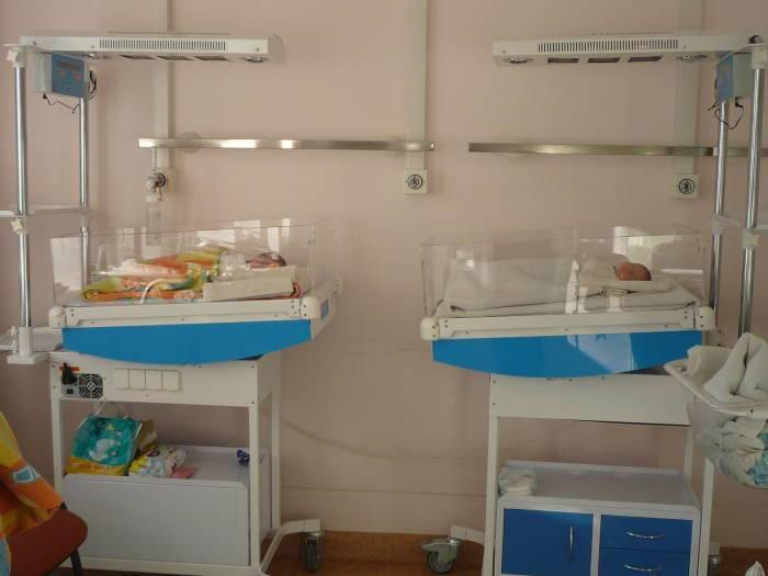 Современное оборудование позволяет медикам эффективнее выхаживать своих маленьких пациентов