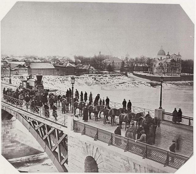 Фото Сигизмунда Юрковского. На Двинском мосту.
