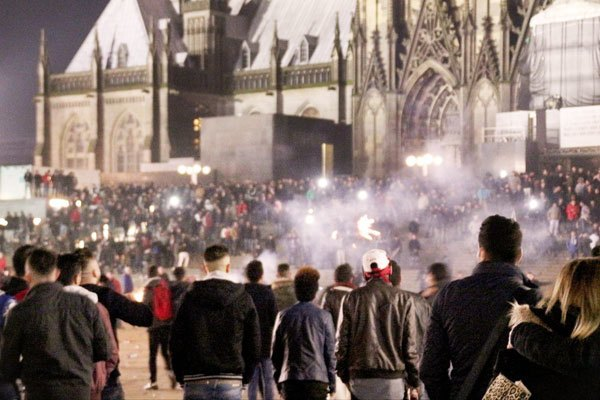 Беспорядки в Кёльне. Источник: rg.ru