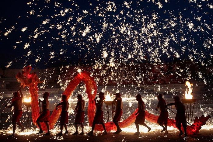 Празднование Нового года в Китае. Источник: tourisminchina.ru