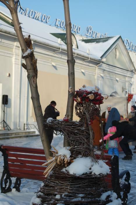Старые экспонаты в новом, снежном, облачении