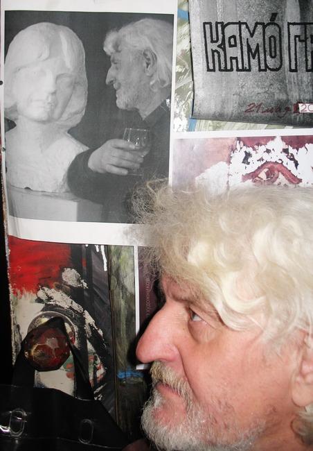 Валерий Чукин в мастерской. Фото из архива художника