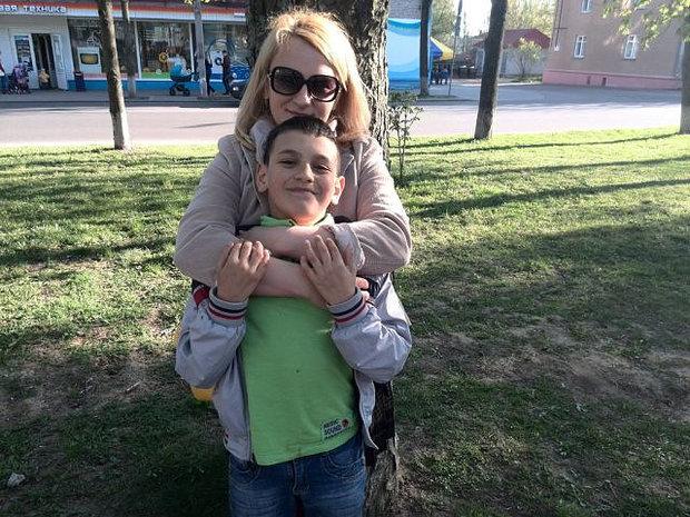Марина Джуглий со старшим сыном Камилом