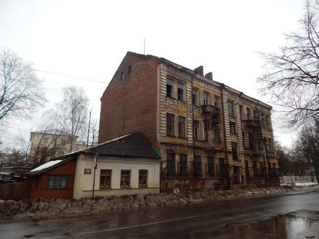 улица Комсомольская, старинный дом