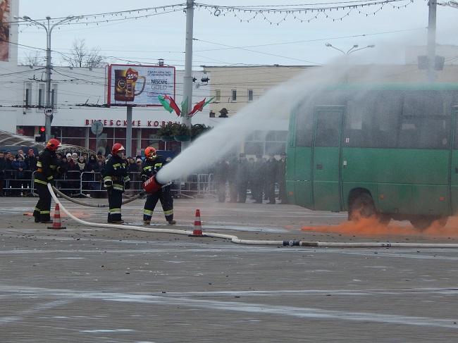 мчс, горящий автобус