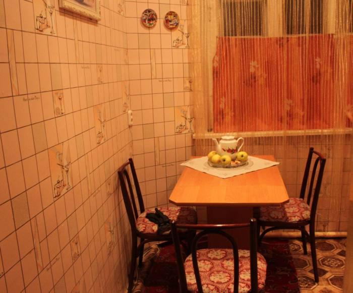 квартира, кухня, обеденный стол