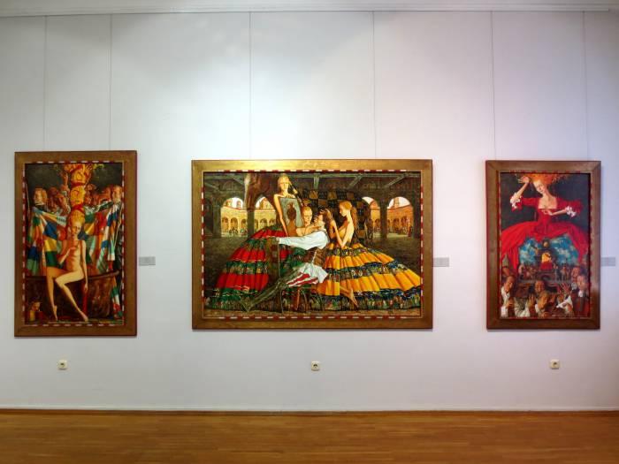 Работы Романа Заслонова пестрят множеством деталей. Фото: Аля Покровская