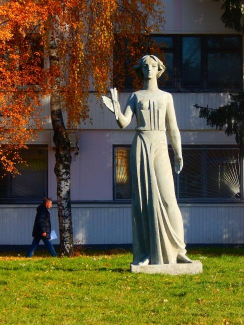 муза, памятник Торосяна, памятники Витебска