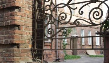 Волшебная атмосфера старинного дворика. Фото Анастасии Вереск