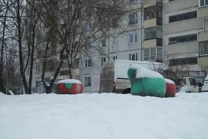 Аномальные объекты вблизи перекрестка по ул. Смоленской. Фото Анастасии Верес