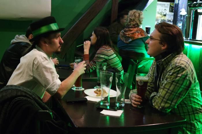 За бокалом пива можно порассуждать об Ирландии. Фото Анастасии Вереск
