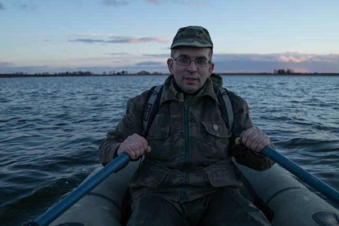 На остров добираемся на лодке. Фото Анастасии Вереск