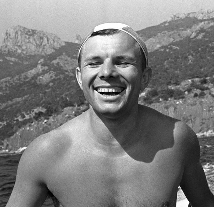 Юрий Гагарин в Крыму. Фото: fresher.ru