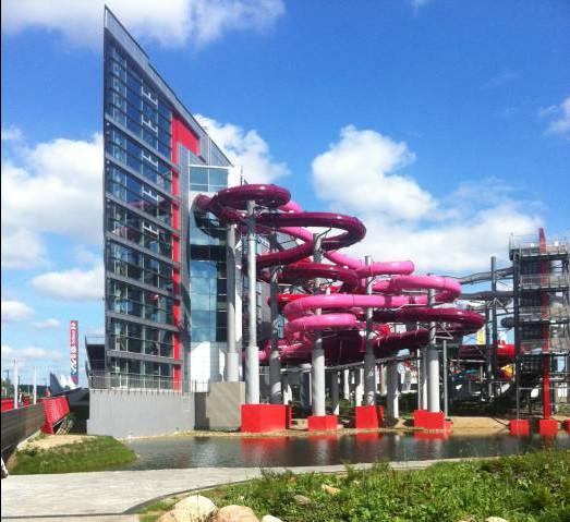 """Настолько оснащенным и соответствующим всем техническим требованим будет аквапарк в Витебске, зависит от инвесторов. На фото аквапарк """"Лебяжий""""-самый современный аквапарк страны. Фото Алена Евдокимова"""