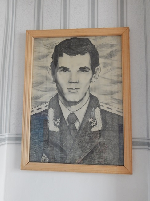 портрет испенкова, школьный уголок памяти