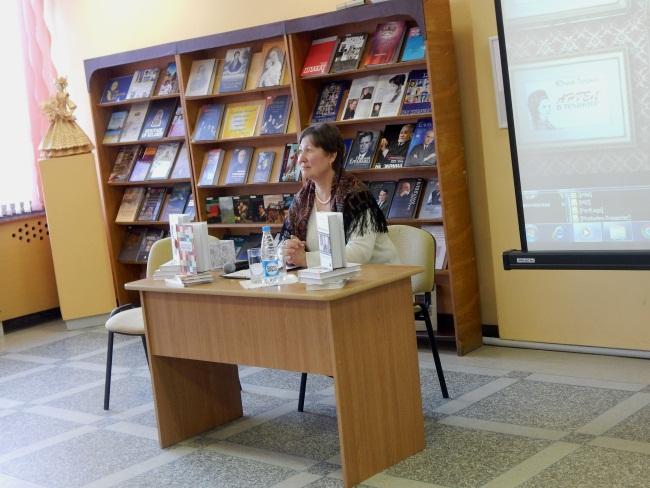 юлия лешко, ангел в темноте, библиотека Маяковского в Новополоцке