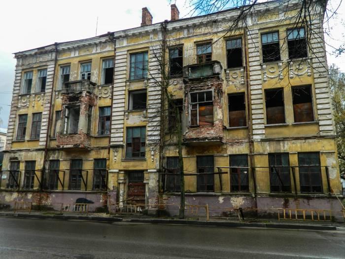 Хочется верить, что вскоре этот дом поразит нас своей красотой. Фото: Катерина Соль