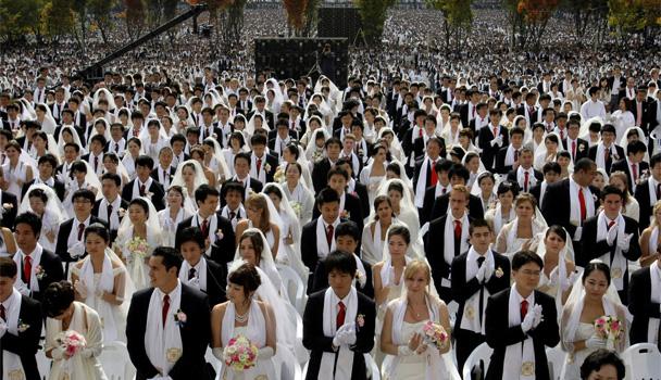 """Массовые бракосочетания были главной """"фишкой"""" Церкви Объединения. Источник: uucyc.ru"""