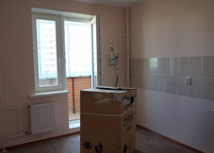Неустановленная плита в одной из квартир. Фото Алена Евдокимова