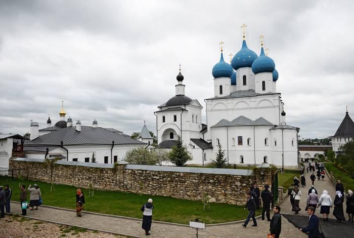 Высоцкий мужской монастырь в Серпухове. Фото pravoobraz.ru