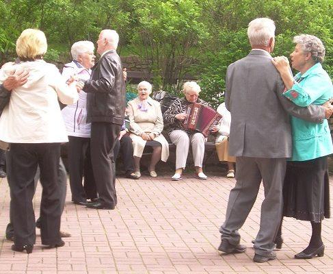 пенсионеры, танцы, парк фрунзе