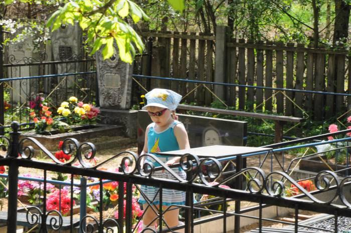 Радуница - семейный праздник, и детям тоже нужно иметь о нем представление. Фото Анастасии Вереск