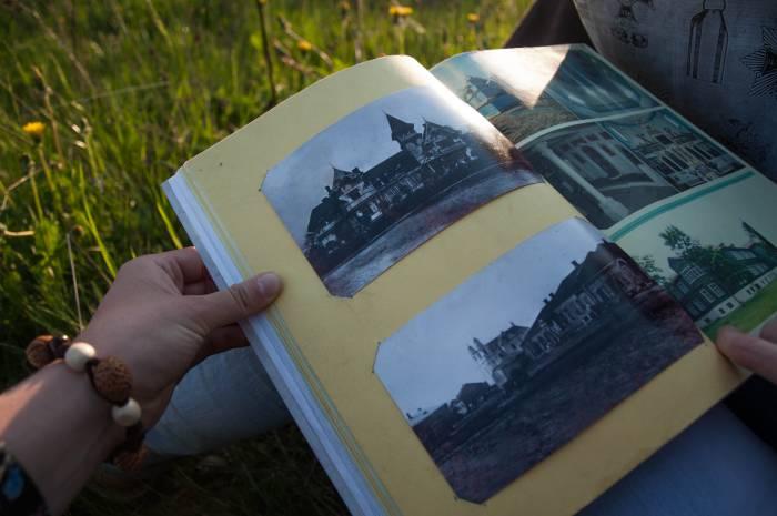 На фото внизу страницы можно увидеть костел еще до разграбления. На верхнем фото запечатлена усадьба в Смолянах, которая, к сожалению, в наше время уже сожжена. Фото Анастасии Вереск