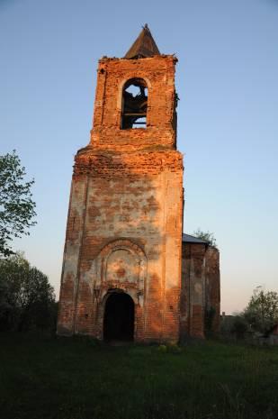Церковь святого Алексия построена в псевдорусском стиле, весьма популярном в то время. Фото Анастасии Вереск