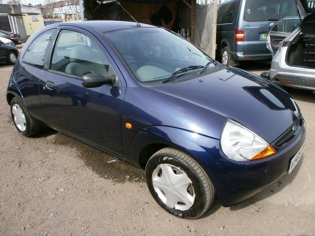 ford-ka-2000-16