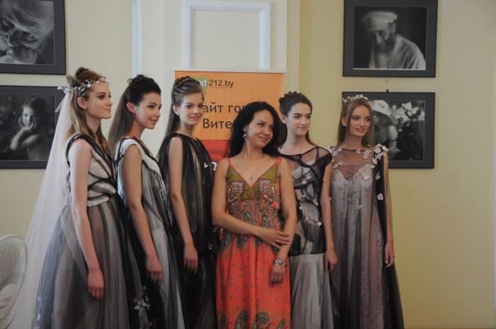 Анна Краснер с своими моделями. Фото Анастасии Вереск