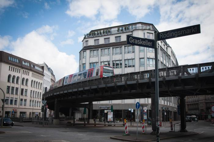 Надземное метро Гамбурга. Фото Анастасии Вереск