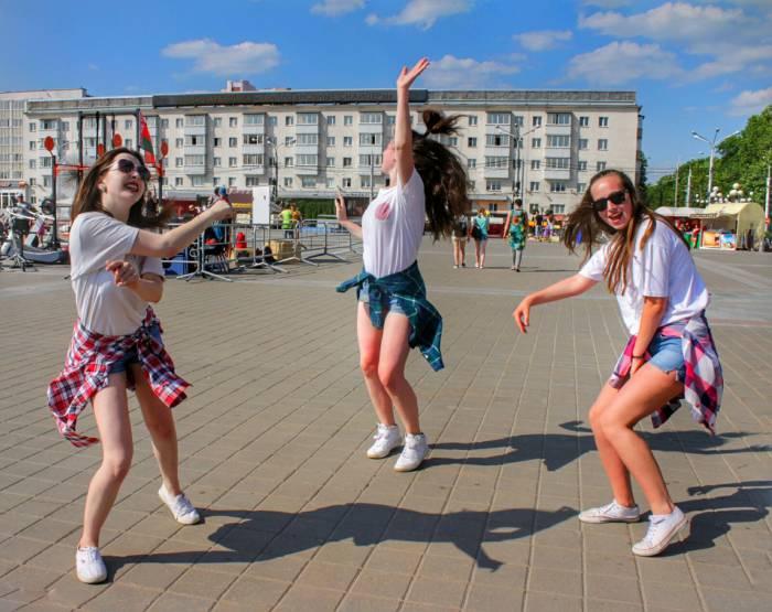 Огонь танца, танец, молодежь, площадь Победы