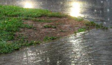 Дождь, фотофакт,машина,витебск
