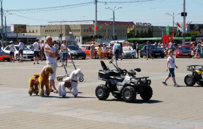 Лошадки ждут своих всадников. Фото: Аля Покровская