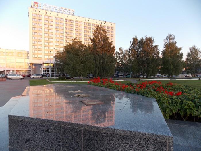 Витебск, Невский, памятник