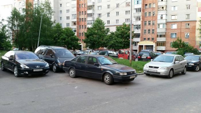 Парковка: бой без правил. Фото: Аля Покровская
