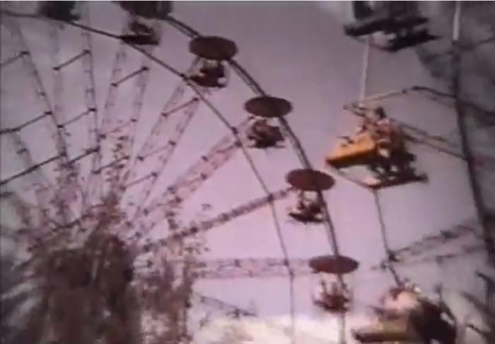 """Даже не верится, что парк Фрунзе был настолько популярен. Кадр из фильма """"Город моей судьбы"""" (1974)"""