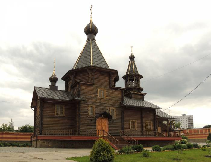 "Храм иконы Божией Матери ""Троеручица"" в Орехово-Борисово. Фото russuia-church.ru"