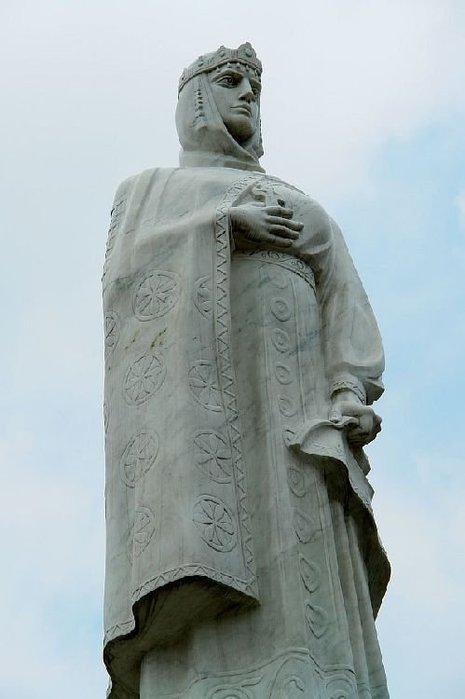 Памятник княгине Ольге в Киеве. Фото liveihternet.ru