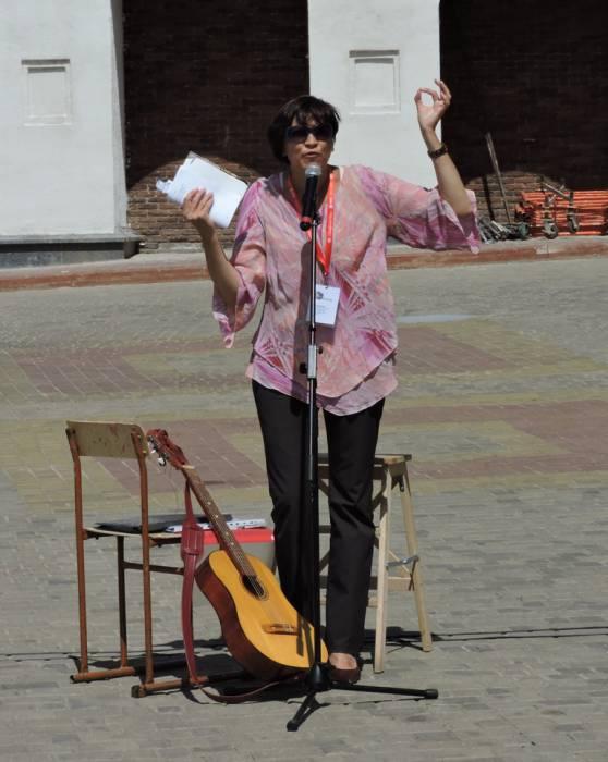 """витебск, """"славянский базар"""", фэст уличного искусства """"на семи ветрах"""", поэт Татьяна Жилинская"""