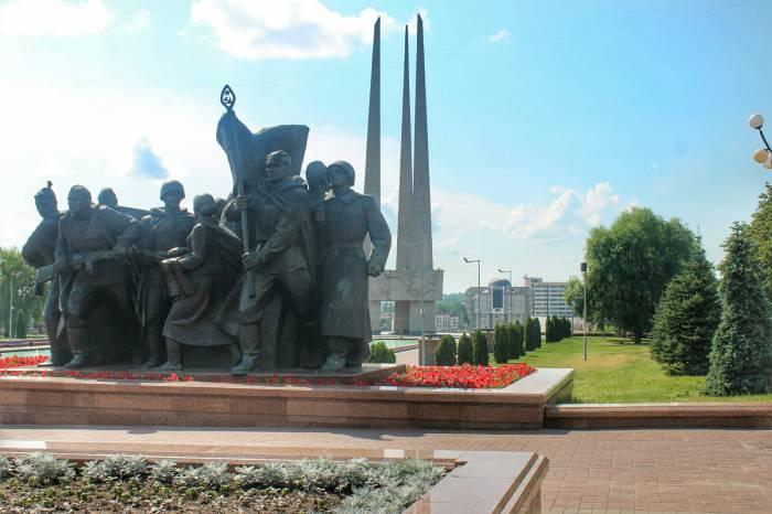 Три штыка, площадь победы,витебск