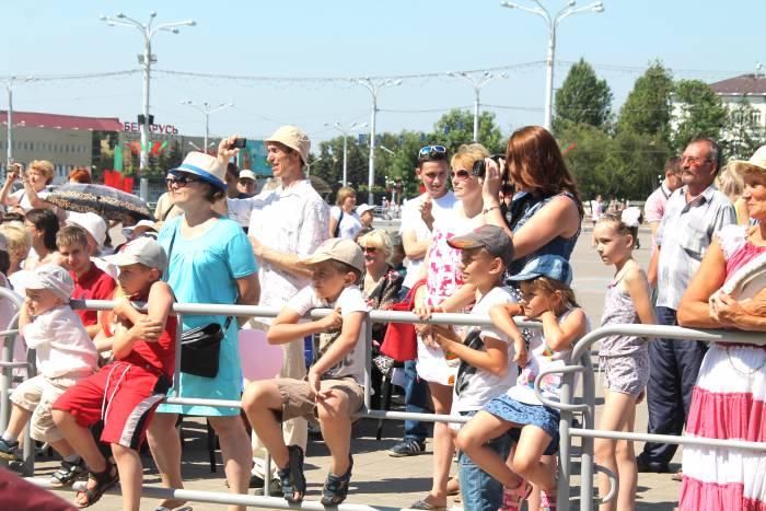 дети, площадь, день независимости
